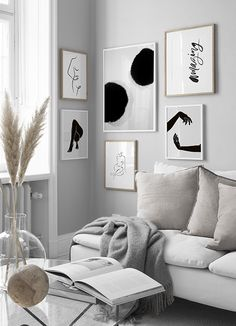 Page 1 - Decorate your living room with a trendy gallery wall! Find inspiration on how to decorate your living room in our Inspiration section. Upgrade your living room today with Desenio. Inspiration Wand, Living Room Inspiration, Interior Inspiration, Desenio Posters, Industrial Wall Art, Ideas Hogar, Wall Collage, Home And Living, Living Room Decor