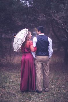 Vintage Engagement Shoot - http://fabyoubliss.com/2015/05/06/romantic-vintage-engagement-shoot
