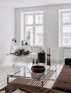 Airy and Minimalist Apartment