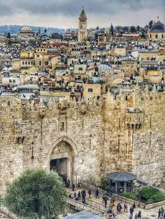 A wonderful look at the present condition of Jerusalem, capital of Israel. A wonderful look at the present condition of Jerusalem, capital of Israel. Places Around The World, The Places Youll Go, Places To See, Around The Worlds, Voyage Israel, Damascus Gate, Heiliges Land, Terra Santa, Arte Judaica