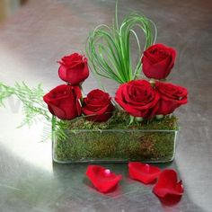 Red roses with heart - Contemporary arrangement with red roses, heart shaped from grass and moss in a modern rectangular vase - W Flowers.