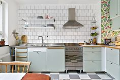 50s Kitchen, Kitchen Corner, Updated Kitchen, Home Decor Kitchen, Kitchen Interior, Kitchen Dining, 50s Style Kitchens, Home Kitchens, Interior Exterior