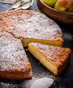 Irmelin omenakakku | Maku A Food, Food And Drink, Swedish Recipes, My Cookbook, No Bake Desserts, Deli, Cornbread, Banana Bread, Sweet Tooth