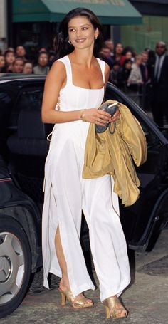 22 Celebrity Outfits From 1995 That Will Bring You Life  - Cosmopolitan.com