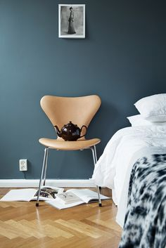 my scandinavian home: Love affair: St Pauls Blue and cognac (in a Swedish space) Blue Bedroom, Bedroom Colors, Bedroom Decor, Bedroom Ideas, Bedroom Wall, Wall Decor, Wall Art, Blue Walls, White Walls