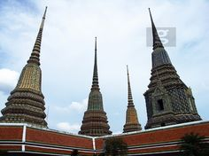 Royal residence and Wat Phra Keo temple in Bangkok. Thailand. Purchase this photography here : http://www.gettyimages.fr/detail/photo/wat-phra-keo-temple-image-libre-de-droits/525648005 Keywords : #Asia #Awesome #Temple #Beautiful #Buddha #Buddhism #WatPhra #Destination #Discover #Discovery #Dreamdestination #Idyllic #Images #Impressive #Bangkok #Royal #boudhisme #sharp #Nice #Photo #Photography #Picture #Stunning #Superb #Thailand #Touristic #Travel #Traveler #Residence #Wow #GettyImages