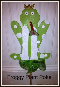 Froggy Outdoor Indoor Garden Plant Poke by Ittakes2krafters