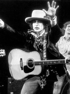 Bob Dylan on stage,1975. The Rolling Thunder Revue