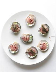 Nicolas Buisson Photography - Food - 23. Crème légère de riz aux perles de wasabi, pétale de maquereau juste assaisonné