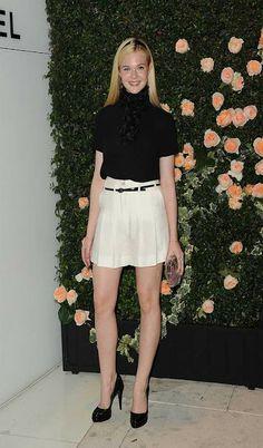 Elle+Fanning+High-Waisted+Shorts+style.jpg (375×640)
