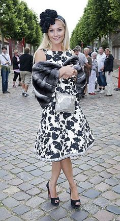 Caroline Fleming - I want her wardrobe. Ladies Of London, Celebs, Celebrities, Bandeau, Spirit Animal, One Color, Dame, Lace Skirt, Fashion Outfits