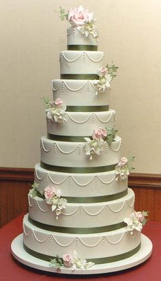 Amazing 8 tier wedding cake by Elizabeth\'s Cake Emporium via Nu ...