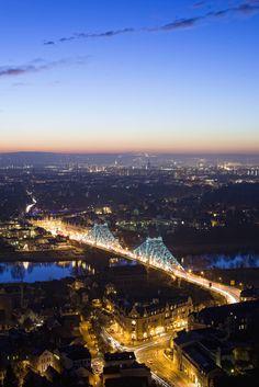 Wir leben in einer wunderschönen Stadt. Dresden, Germany - Blaue Wunder Bridge - Schiller Platz in front