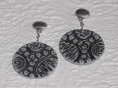 Ohrclips - Ohrclips schwarz-silber Scheibe rund - ein Designerstück von iCo-Design bei DaWanda