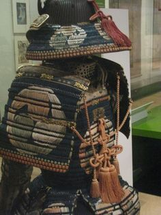 In Photos: The Last Century of Samurai Swordsmen | LiveScience. The 19th century armor was made of lacquered iron, silk sacings, doeskin & engraved gilt copper. The decorations were colorful.