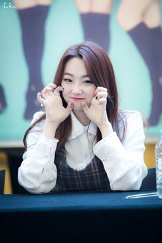 dedicated to female kpop idols. Cute Korean Girl, Asian Girl, Choi Yoojung, Kim Sejeong, Sun And Clouds, Birthday Shirts, K Idols, Daniel Wellington, Kpop Girls