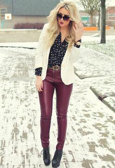 Wearin snow on my blouse (by Mirjam Schuurkamp) http://lookbook.nu/look/4496661-Wearin-snow-on-my-blouse