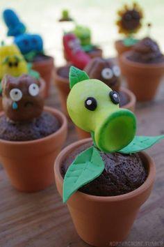 Plants vs. Zombies cupcakes. Excelente idea de cumpleaños :-)