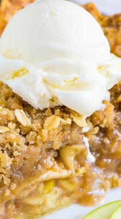 Brown Butter Oatmeal Crumb Apple Pie - Baker by Nature Apple Pie Recipes, Tart Recipes, Baking Recipes, Fall Desserts, Just Desserts, Sweet Pie, Pie Dessert, Desert Recipes, Fruit