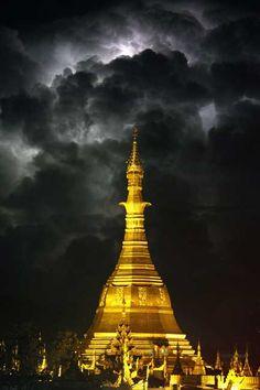 Sule Pagota - Yangon, Myanmar