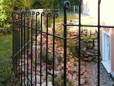 der mobile Garten Zaun schützt als Kindersicherung vor Kellerschächten