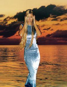 Long silky hair for elle magazine. Shot in jamaica mid for french elle beauty magazine. Credits: photo: christophe kutner, make up: fred erik farrugia, styling: michele beaurenaud, model : susan holmes, hair; Long Silky Hair, Super Long Hair, Beauty Magazine, Elle Magazine, Susan Holmes, 90s Models, 90s Hairstyles, Victorias Secret Models, Fashion Plates