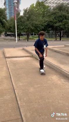 Skater Boy Style, Skater Kid, Hot Skater Boys, Beginner Skateboard, Skateboard Videos, Skateboard Design, Skateboard Girl, Skate Boy, Harry Potter