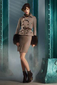 Christian Dior Pre-Fall 2010 Fashion Show - Heloise Guerin