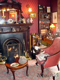 Sherlock Holmes museum in 221b Baker Street by Nenyaki, via Flickr