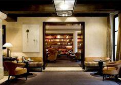 Ecco la top ten degli alberghi in cui potrete trovare le migliori librerie; una anche a Venezia: 4. LE PAVILLON DES LETTRES, PARIGI.