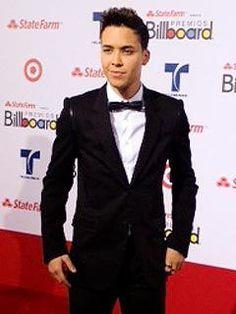 Prince Royce and Don Omar dominate the Latin Billboard Awards 2012