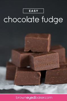 Fudge Recipe by Brown Eyed Baker - This quick and easy fudge recipe is made with chocolate chips and sweetened condensed milk. Options are included for using marshmallows and the microwave! Perfect for Christmas gifts! Easy Chocolate Fudge, Easy Fudge, Chocolate Recipes, Chocolate Chips, Chocolate Tarts, Oreo Fudge, Chocolate Truffles, Fudge Recipes, Candy Recipes