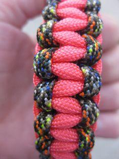 camo & pink paracord bracelet