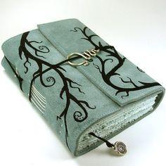 Climber No. 2 by ~kreativlink on deviantART Homemade Books, Bookbinding Tutorial, Cute Journals, Art Journal Techniques, Cool Books, Magic Book, Leather Books, Journal Covers, Book Binding