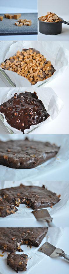 Brownie de chocolate y caramelos de toffee