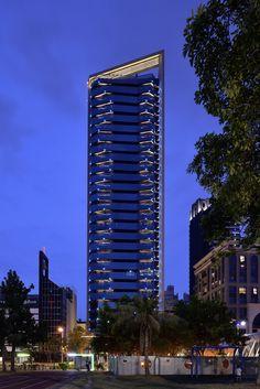 國泰建設-R13馥建築/原碩照明設計顧問有限公司 Facade Lighting, Exterior Lighting, Outdoor Lighting, Lighting Design, Building Elevation, Building Exterior, Glass Building, Hotel Concept, Tower Design