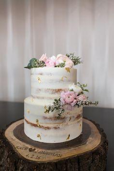 #FabFloraChicago #Jennography #WeddingFlowers #GreenhouseLoft #SpringWedding #CakeCakeCake  #BlushBlooms #ChicagoWedding