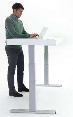 Stir Kinetic: innovative ultra-office connected with Wi-Fi, Bluetooth and Touchscreen innovative communication trends