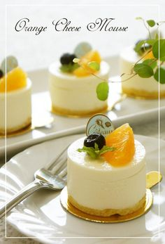 Great recipe for Fresh Orange Cheese Mousse. For 6 baking rings mm x 35 mm). Recipe by nyonta Gourmet Desserts, Fancy Desserts, Just Desserts, Delicious Desserts, Dessert Recipes, Mousse Cake, Cafe Food, Mini Cakes, Food Plating