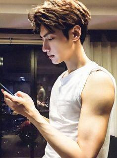 Asian Men Hairstyle, Asian Hair, Asian Guy Hairstyles, Beautiful Lips, Beautiful Men, Song Wei Long, Hot Korean Guys, Cute White Boys, Chinese Man