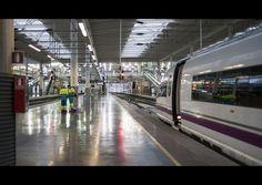CRÓNICA FERROVIARIA: España: Luz verde a la privatización total del sec...