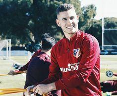 """115 Me gusta, 3 comentarios - Theo y Lucas Hernández. (@teamhernandez_) en Instagram: """"Derbi day  ⚽ Real Madrid-Atleti ⏰ 16:15 Vamos Atleti ✋ #AúpaAtleti A por ellos mi niño, dejaos…"""""""
