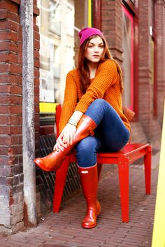 Red Hunter Boots, Hunter Rain Boots, Prep Style, My Style, Wellies Rain Boots, Rainy Day Fashion, Long Boots, Leggings, Rain Wear