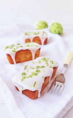 Mini yoghurt and lime loaf cakes - Domestic Gothess Just Desserts, Delicious Desserts, Yummy Food, Baking Recipes, Cake Recipes, Dessert Recipes, Tea Cakes, Cupcakes, Cupcake Cakes