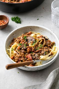 Hearty Mushroom + Lentil Ragu recipe is packed with protein and fiber and is a hearty, savory and comforting vegan main dish! Lunch or dinner approved. Vegetarian Dinners, Vegetarian Recipes, Cooking Recipes, Vegan Meals, Coconut Vegetable Curry, Lentil Ragu, Vegan Main Dishes, Plant Based Eating