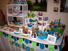 This Lancaster Flea & Craft Market Booth from May 5 2012 by misscrinoline, via Flickr is attractive and colorful.