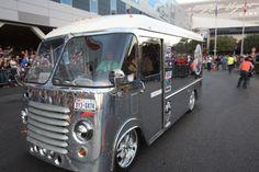 2013-SEMA-Cruise-Chevrolet-Kurbmaster-Van-polished-093, Photo