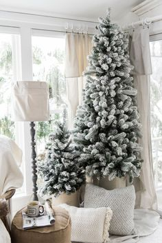 Graceful christmas bedroom decorating ideas on a budget (23)