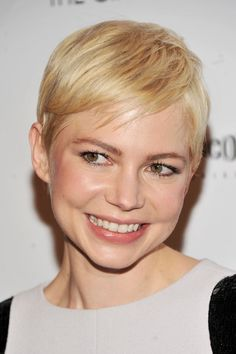 Short Straight Pixie Haircut with Side Swept Bangs - Michelle Williams Hairstyles