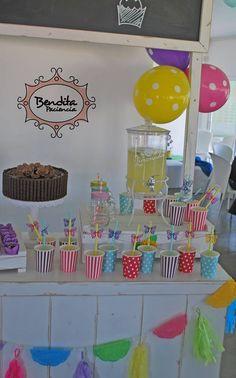 Mesa de dulces complementaria.